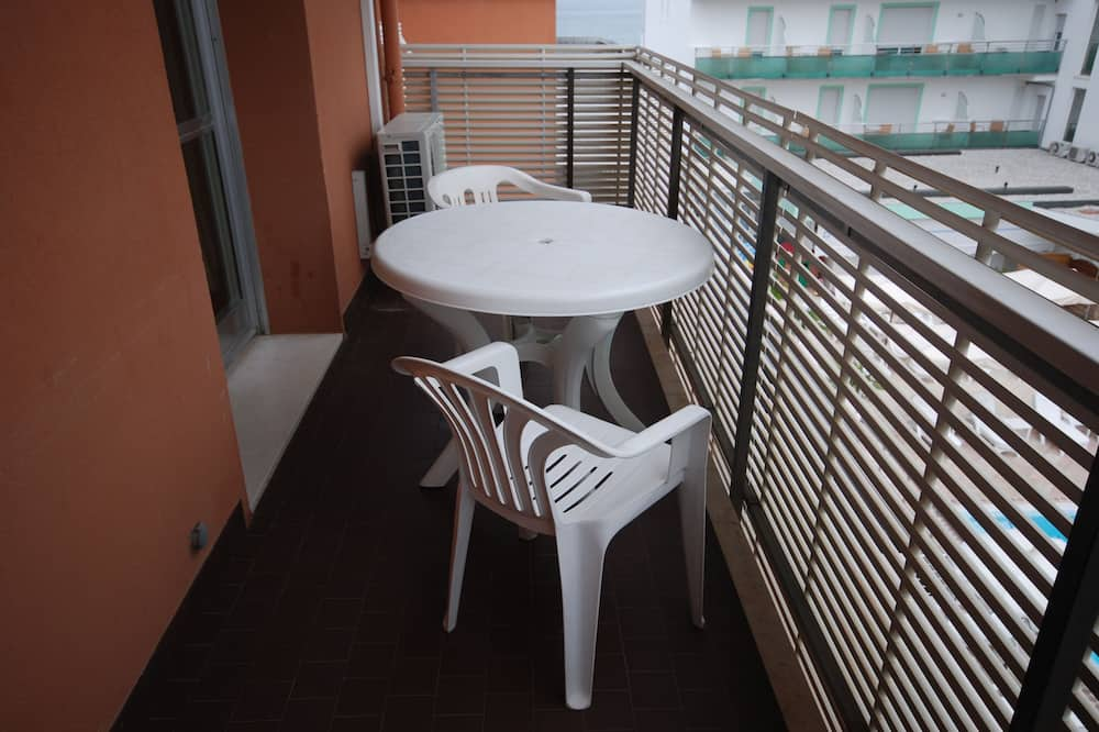 Studio (A-3) - Balcony