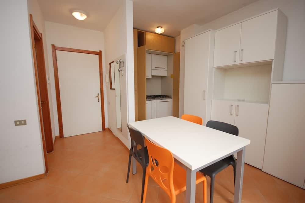 Studio (A-3) - In-Room Dining