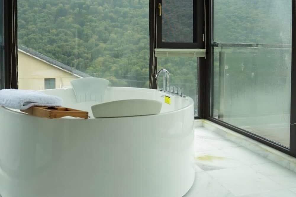 Romantic Double Room, Non Smoking - Bathroom