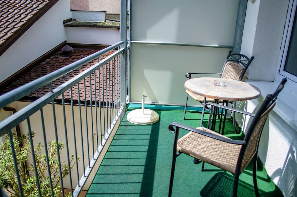 Dubbelrum - balkong - innergård - Balkong