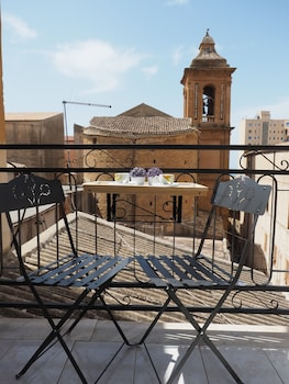 Enter your dates for special Agrigento last minute prices