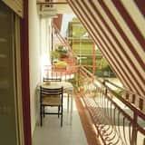 Üç Kişilik Oda, Balkon - Balkon