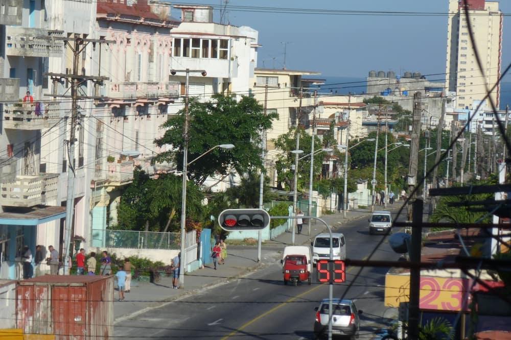 Comfort-Apartment - Blick auf die Straße