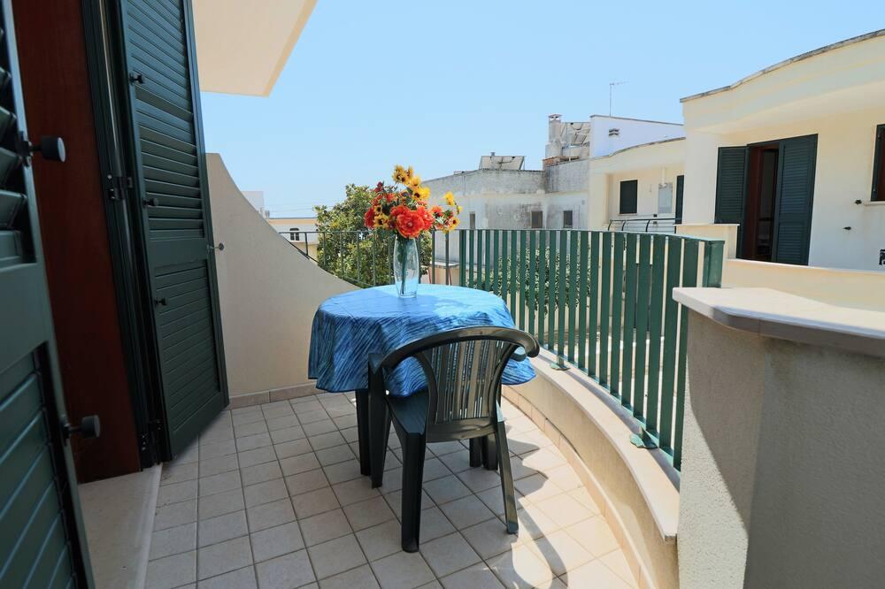 Külaliskorter, 2 magamistoaga (La Zinzulusa) - Rõdu