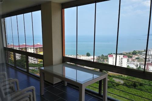 4ベッドルームと2バスルームの海と自然の景色の家/