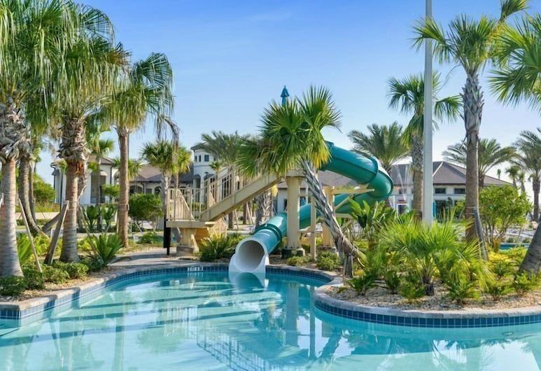 8BR ChampionsGate Pool Home w Theater, Davenport, Nhà, Hồ bơi ngoài trời