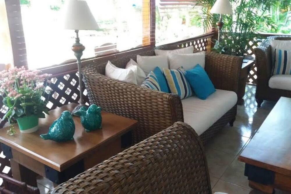 Villa, 3 Bedrooms (4 Bathrooms) - Living Room