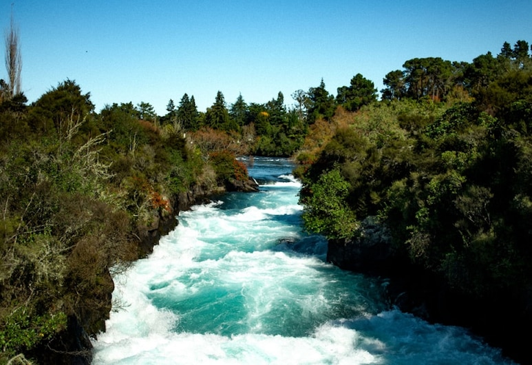 2 bedroom Cottage Near Huka Falls, Taupo, Water view