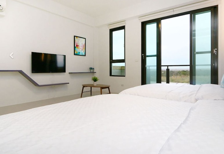 Lanyue Homestay, Toucheng, Quadruple Room, Ocean View (201), Guest Room View
