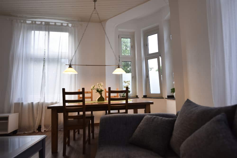Comfort Condo, City View - Living Area