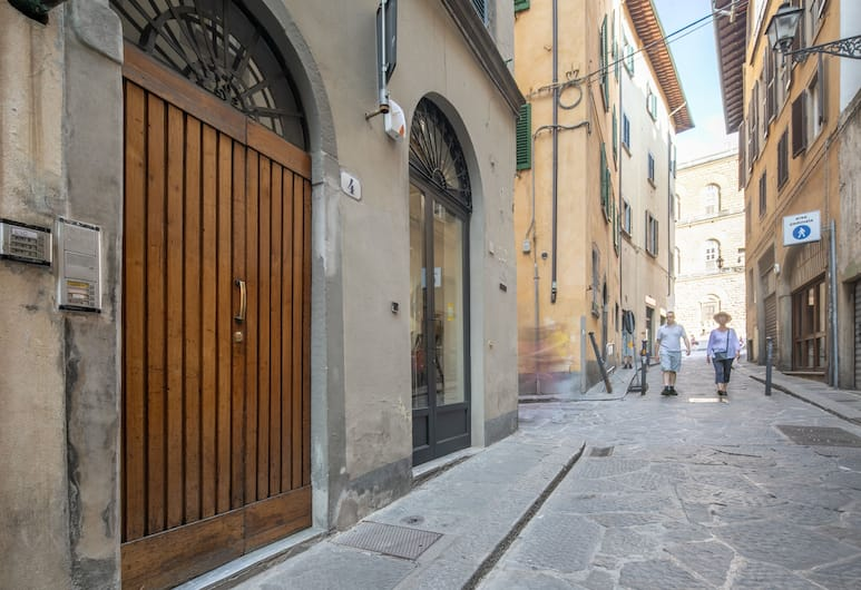 Romantic Pitti, Florence, Romantic Apartment, 2 Bedrooms, City View, Pemandangan Jalan