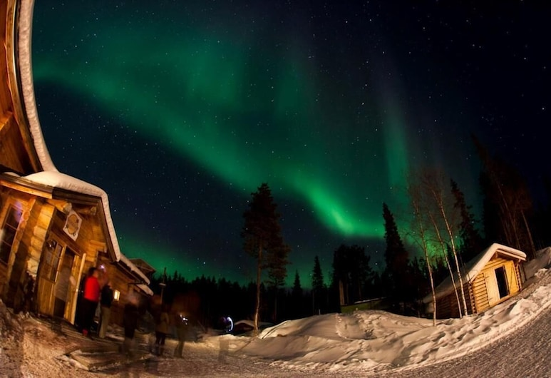 Basecamp Oulanka, Kuusamo, Hotel Front – Evening/Night