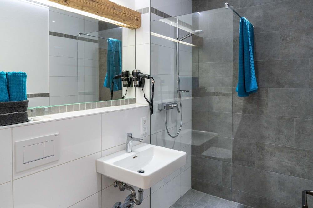 Comfort Double Room, Mountain View - Bathroom