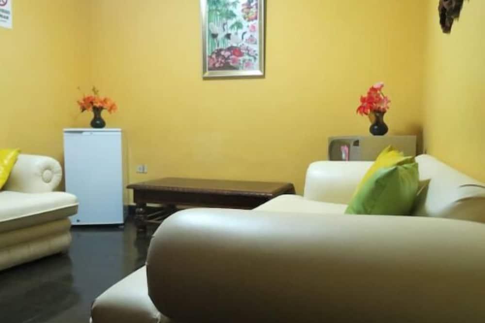 Phòng đôi Deluxe, 1 phòng ngủ, Phòng tắm riêng, Quang cảnh vườn - Bếp chung
