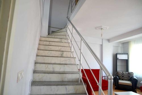 卡基爾公寓酒店/