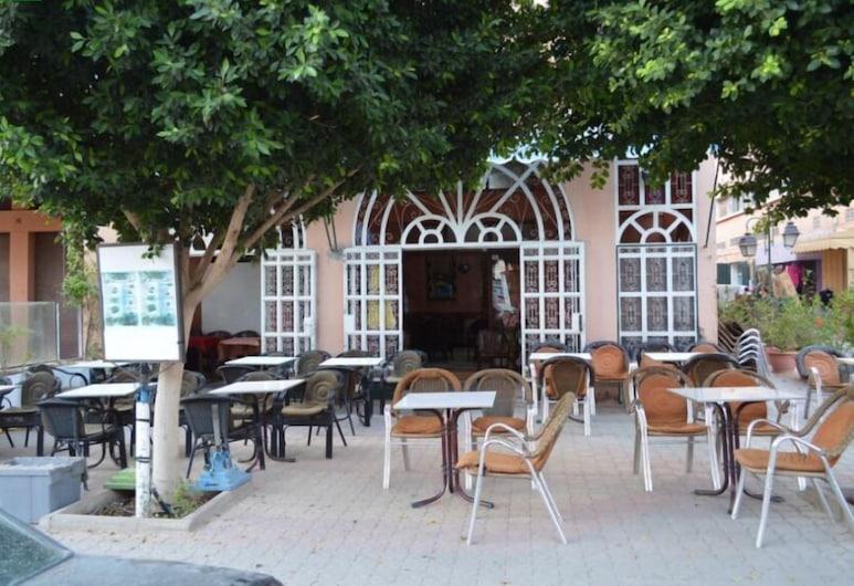 Hôtel Atlas Ouarzazat, Ouarzazate, Terasa/trijem