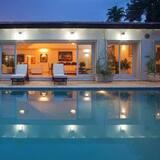 Villa, 6 Bedrooms (6 Bathrooms) - Private pool