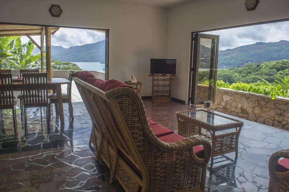 Villa, divas guļamistabas - Numura ēdamzona