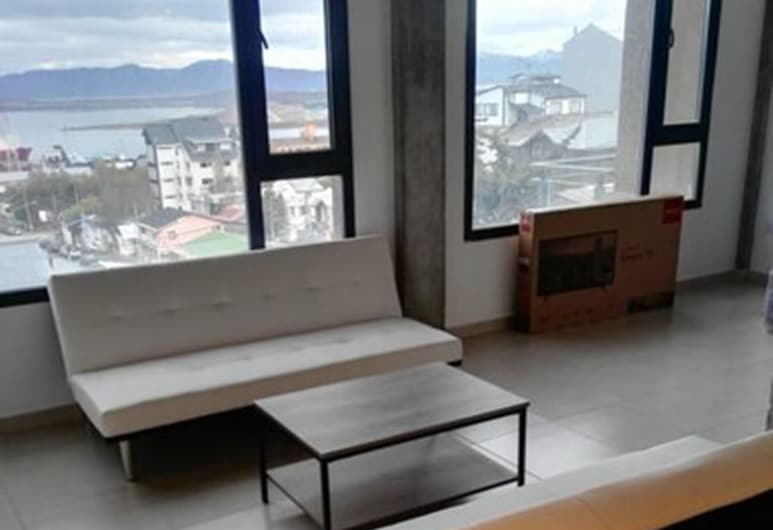 Magallanes Flat II, Ushuaia, Superior Apartment, 2 Bedrooms, Mountain View, Living Area
