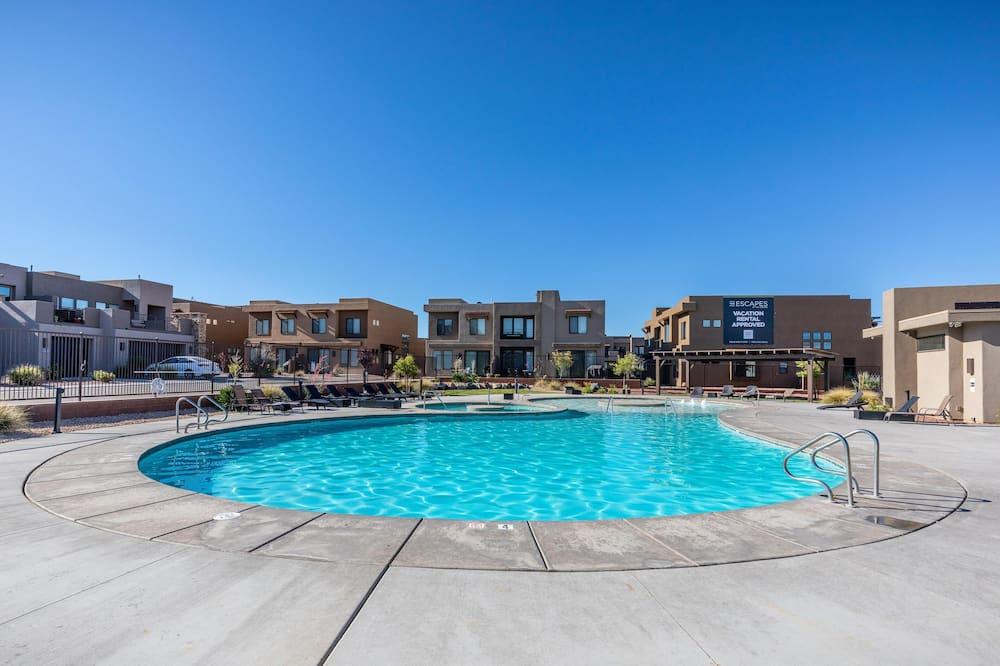 Villa, Multiple Beds (Red Rock Rooftop) - Pool