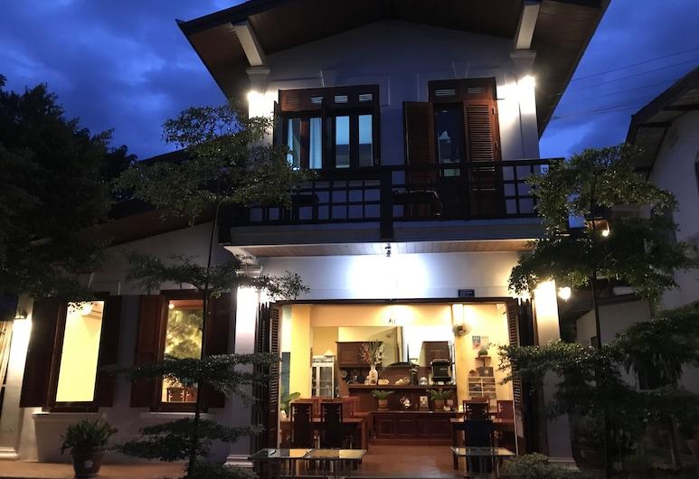 湄公河濱提普別墅酒店, 龍坡邦