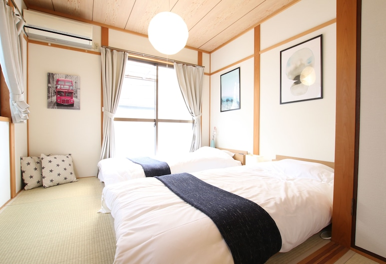 Trend Inn at ShinOsaka, Osaka, Private Vacation Home (two stories), Room