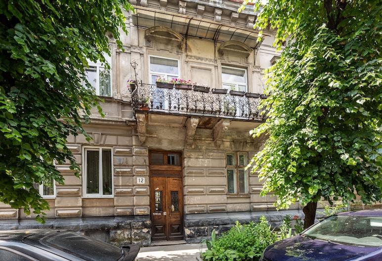 Nice apartment at the center, Lviv, Vchod