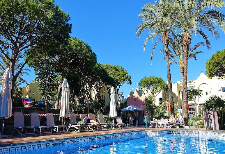 Dona Lola Claudia - 1 bedroom fully equiped apartment withing only few metters to the beach of Calahonda - Mijas Costa - CS106, Mijas, Piscine en plein air