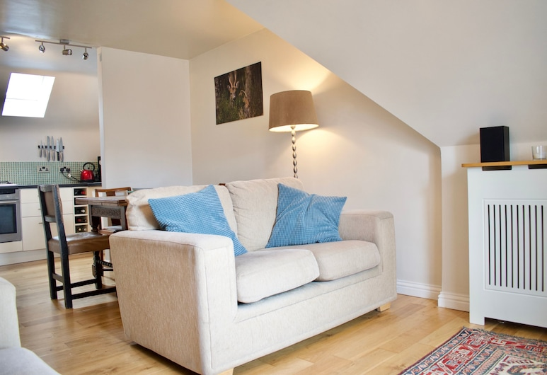 Modern And Charming 2 Bedroom Old Town Apartment, Edinburgh