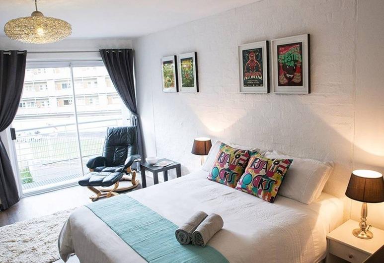 Minimalistic Green Point Studio Apartment, Кейптаун, Номер