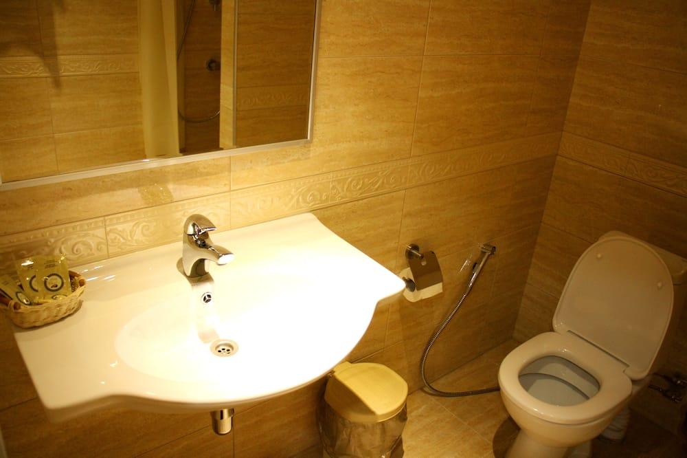 Standaard kamer, 1 twee- of 2 eenpersoonsbedden - Badkamer