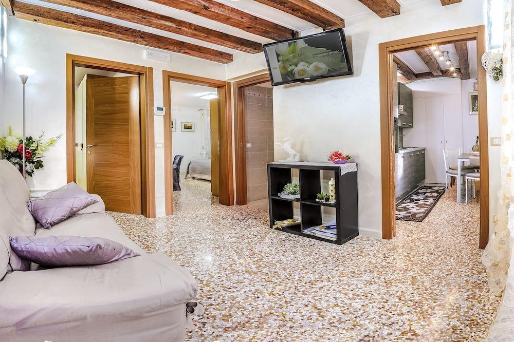 Venice Dream House Tosca