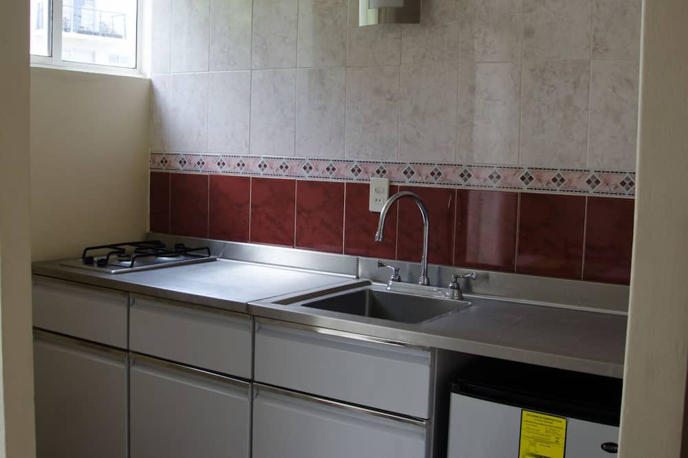 Habitación triple empresarial - Servicio de comidas en la habitación