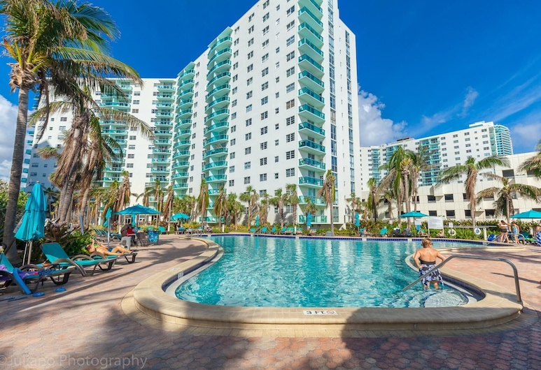 Tides 1A Hollywood Beach by Ammos, Hollywood, Svømmebasseng