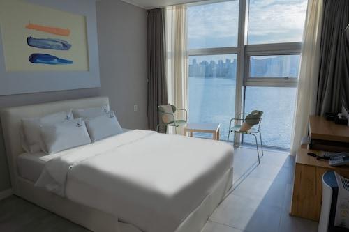 水營區海洋住宿飯店/