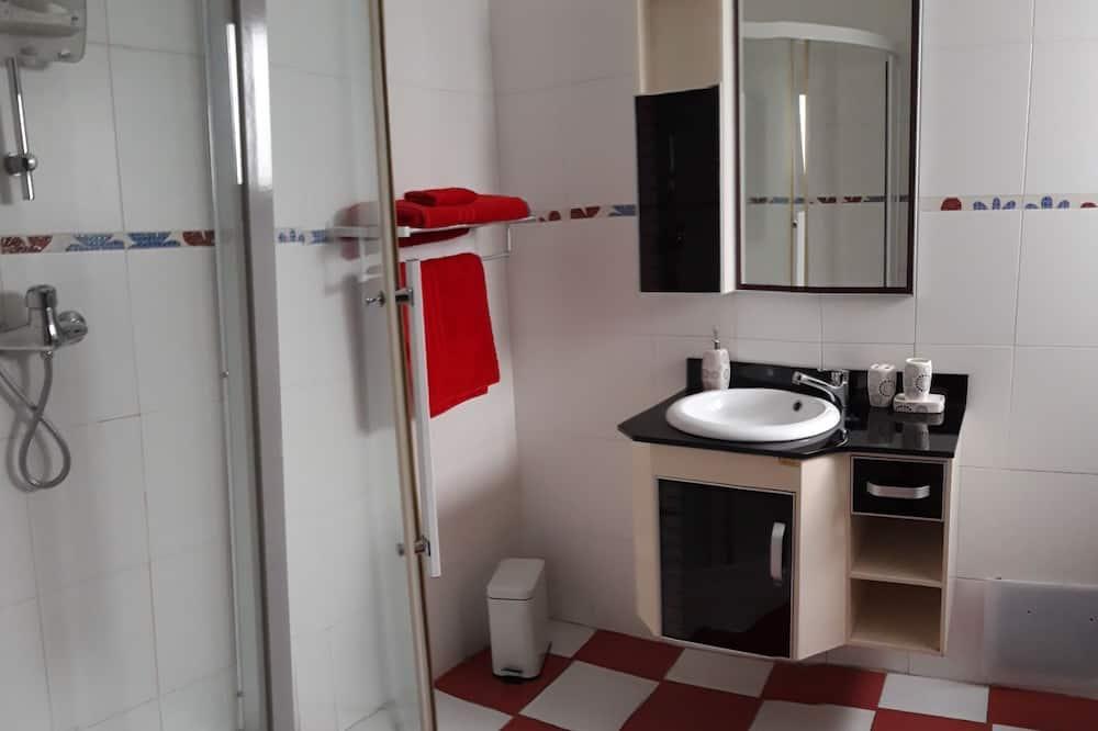 Deluxe Double Room (Korhogo) - Bathroom