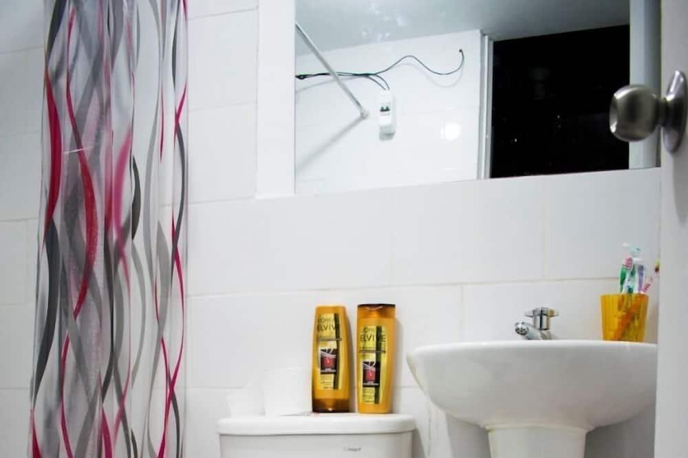 Shared Dormitory, Mixed Dorm, Shared Bathroom - Bathroom