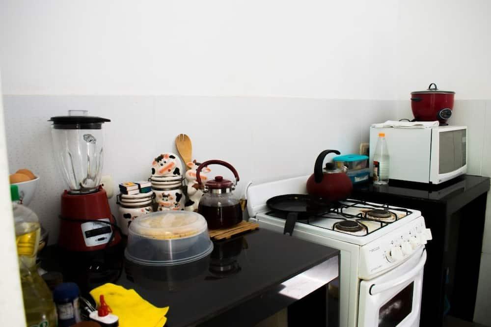 Shared Dormitory, Mixed Dorm, Shared Bathroom - Shared kitchen