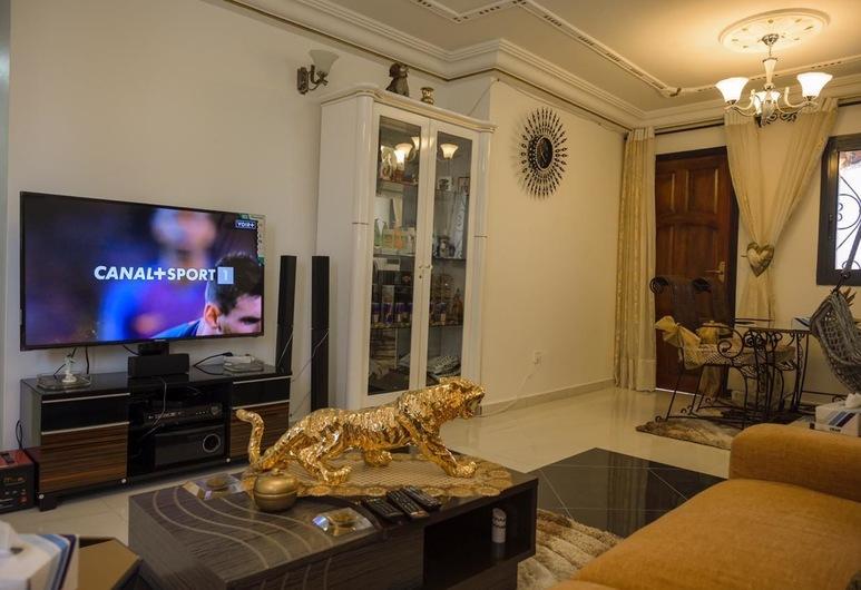Monde Arabe Guest House, Douala, Luxury Apart Daire, Oturma Odası