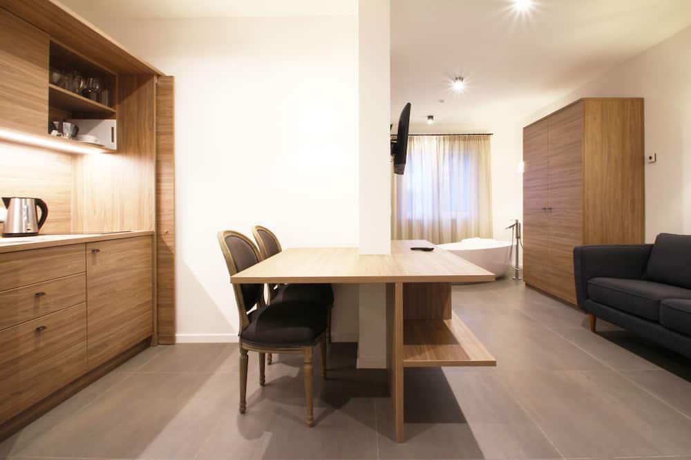 尊尚公寓 (Franz) - 客廳