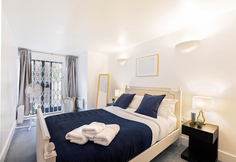 2 BDR in Kensington E1 by The Residences, Londen, Luxe appartement, 2 slaapkamers (with Patio, E1), Kamer
