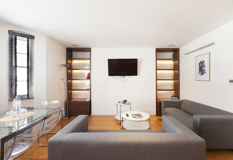3 BDR Great Portland Street By The Residences, London, Luxury Apartment, 3 Bedrooms, Living Area