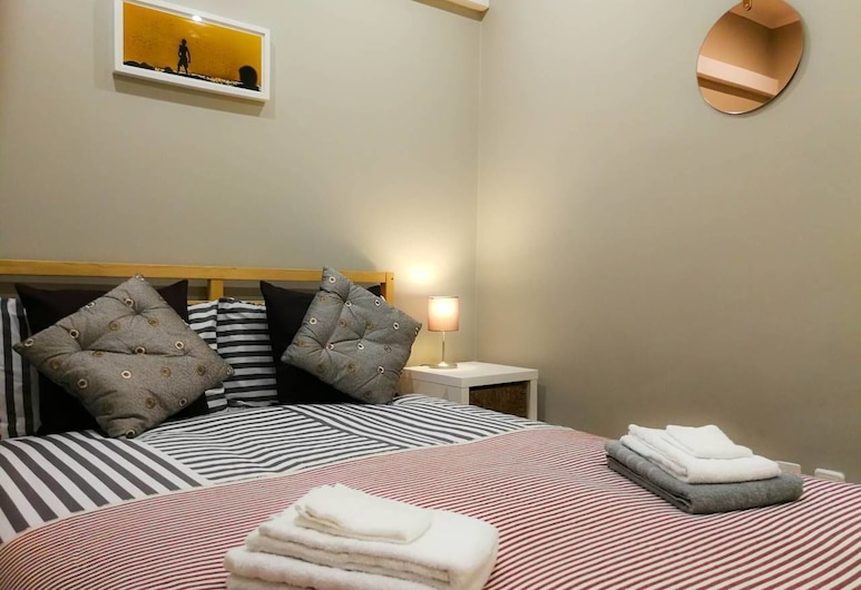 Comfort and Quiet - Renovated Flat, Lisbon, Apartment, 2 Bedrooms, Room
