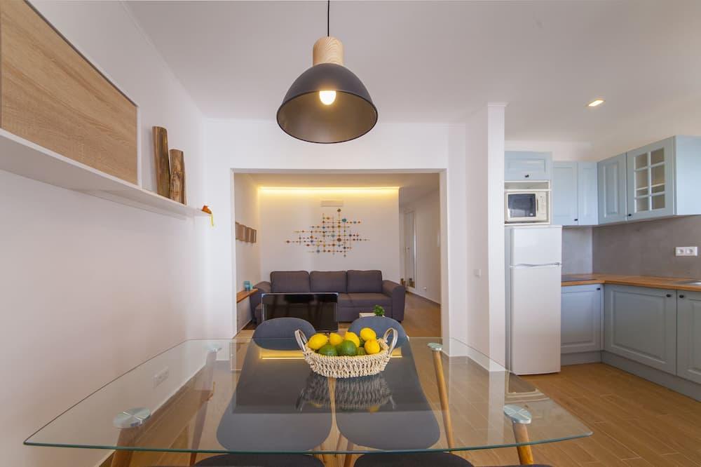 Apartment, 1 Bedroom, Balcony, Ocean View - Living Area