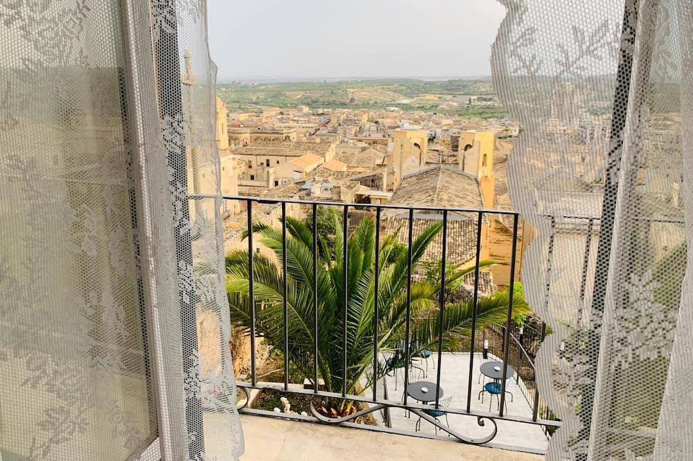 Pokoj typu Executive, výhled do zahrady - Výhled z balkonu
