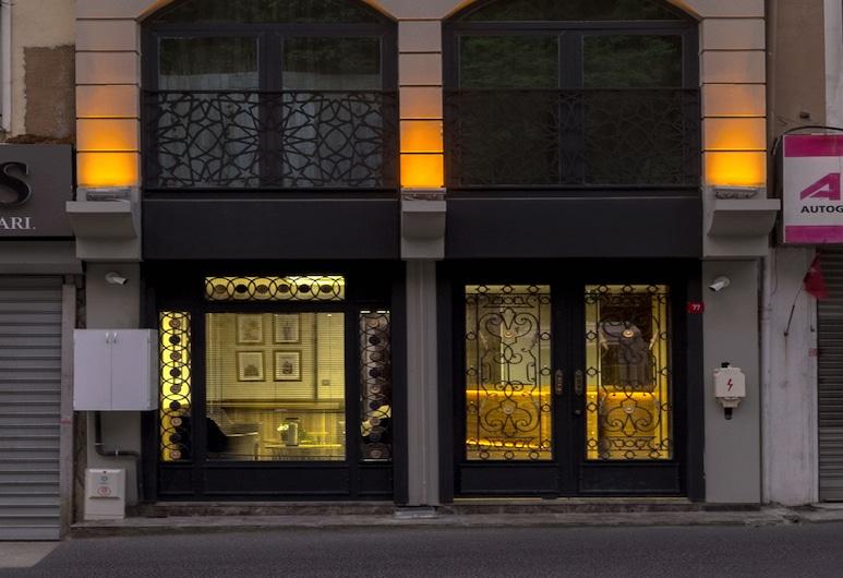 Ferman Apart Hotel, İstanbul, Otelin ön cephesi
