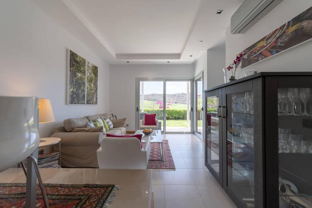 Villa, 2 Yatak Odası, Kişiye Özel Havuzlu - Oturma Odası