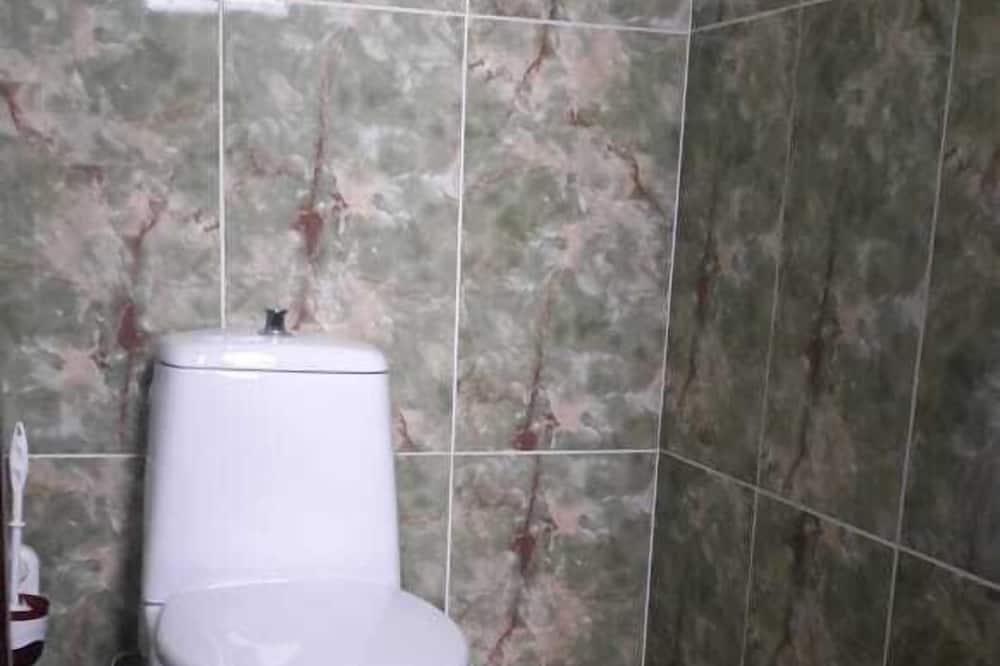 Economy Double or Twin Room, Shared Bathroom - Bathroom