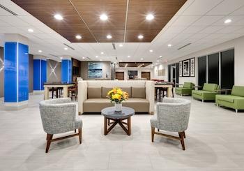 卡勒尼普萊諾 - 科隆尼智選假日套房酒店的圖片
