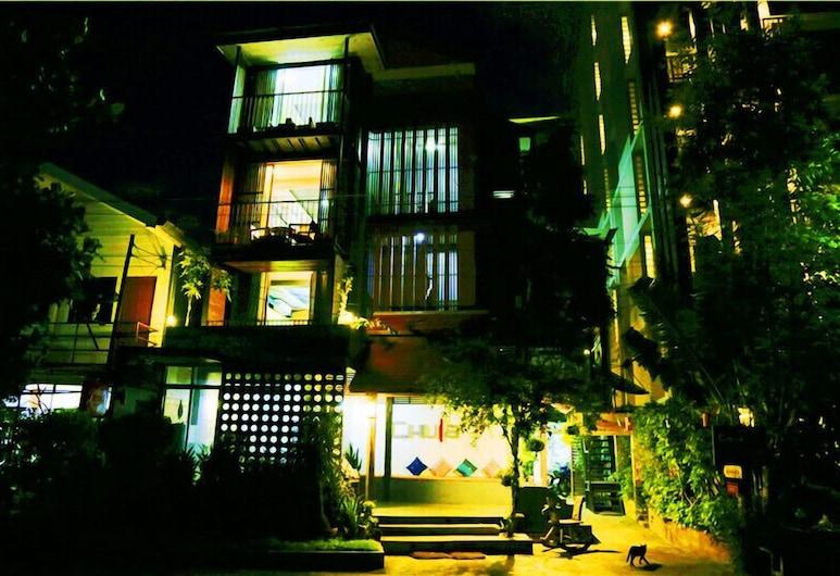 清邁 CC 朱拉飯店, 清邁, 住宿正面 - 夜景